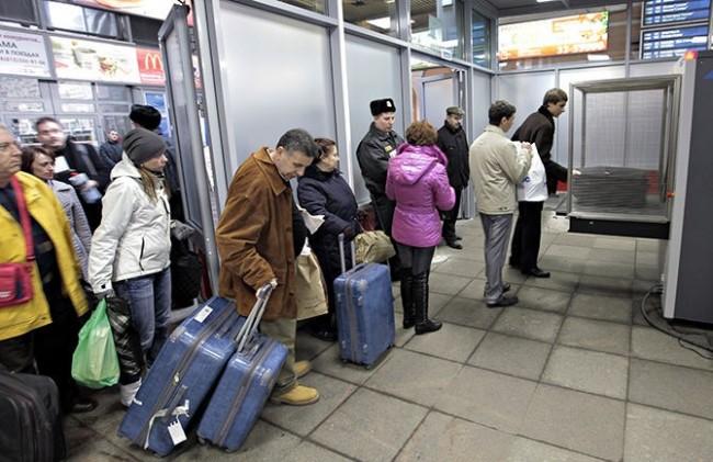Почти 1 милион души се преселили от Украйна в Русия