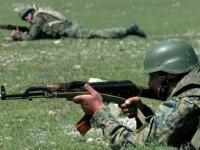 Американските войници не пропускат да изпитат руските калашници