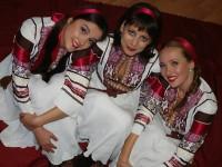 """Трио """"ы"""" – отдадени на руската музика"""