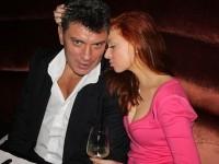Немцов плащал на любовниците си в брой