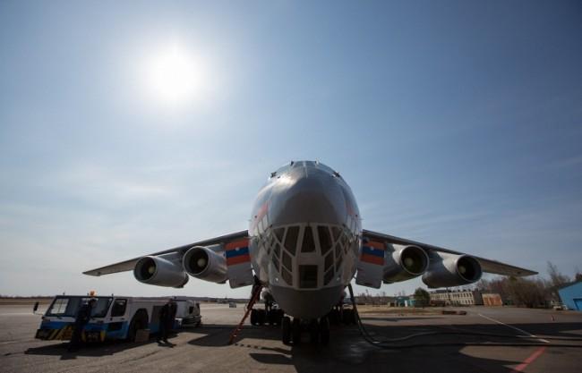 Самолети на МИС на РФ евакуираха от Непал граждани на Русия и други страни
