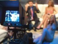 """Украйна """"заменя"""" руските телевизионни канали с еротични"""