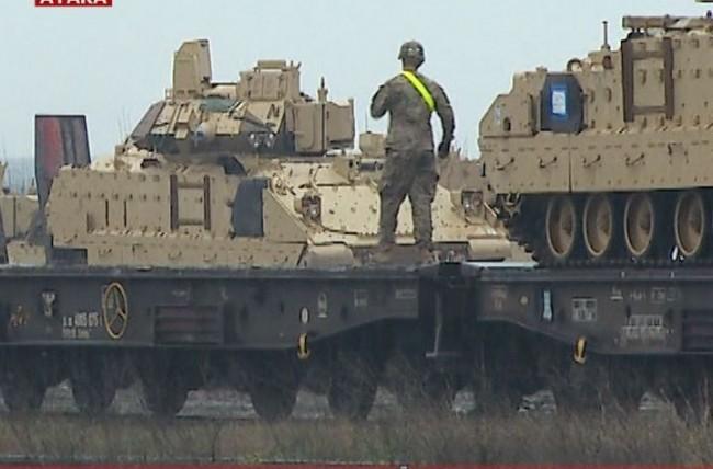 Бойните машини са стоварени у нас не за учения, а за война с Русия