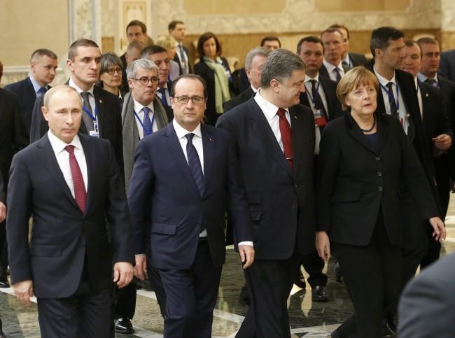 Париж обвини Киев, че не спазва Минските споразумения