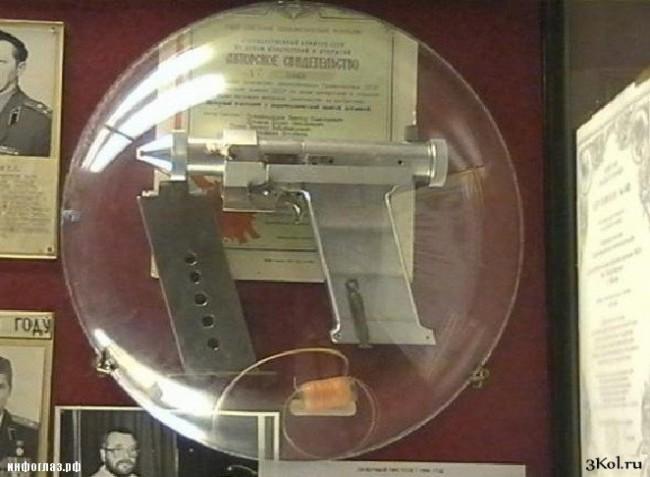 Русия показа в музей лазерни пистолети