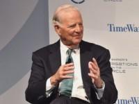 Бейкър: Трябваше да поканим Русия в НАТО след края на Студената война