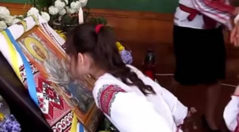 Близо 30 деца в Западна Украйна припаднаха, молейки се за мир