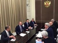 Путин посрещна Кери в Сочи
