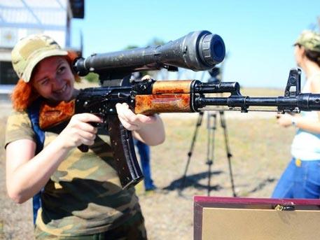 Порошенко разреши на украинците да носят оръжие