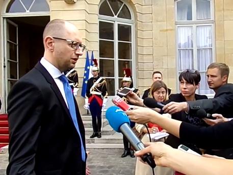Яценюк призна за геноцида над жителите на Донбас