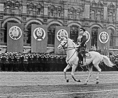 Маршал Георги Константинович Жуков. Парад на Победата. Москва, 24 юни 1945 година
