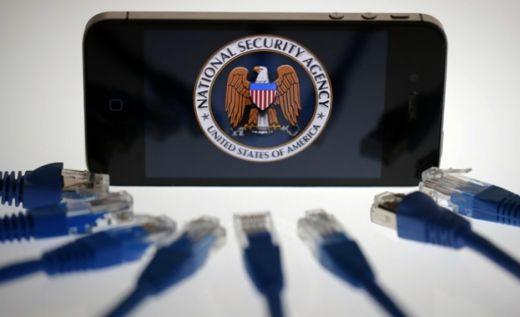 """САЩ искали да шпионират смартфоните ни чрез приложенията на """"Гугъл"""""""