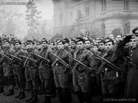 Посрещане на българската Парашутна дружина, завърнала се от фронта, София, 1945 г.