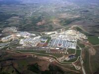 """Най-голямата американска база в Европа """"Бондстийл""""  се намира в Косово, близо до Македония и Сърбия."""