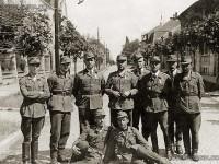 Български офицери и войници от Бронираната бригада в Унгария, 1945г.