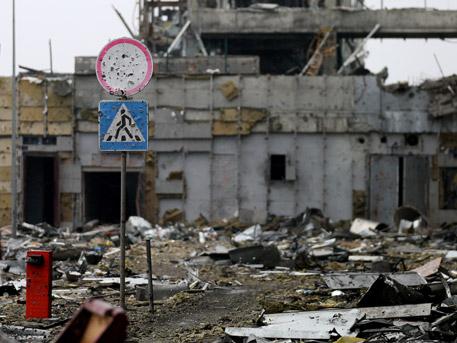 Порошенко заплашва Донбас с пълна блокада