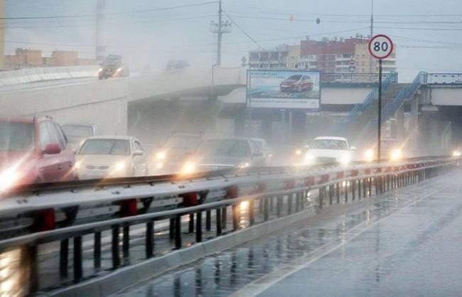 Рекордни валежи отчетоха в Москва