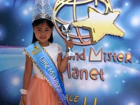 """7-годишно момиченце от Русия стана """"Малка мис Планета 2015"""""""