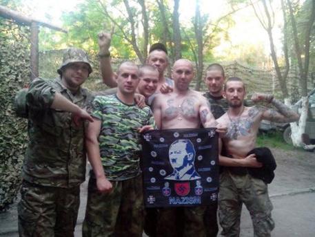 Снимка с Хитлер – украинските военни се гордеят, че са нацисти