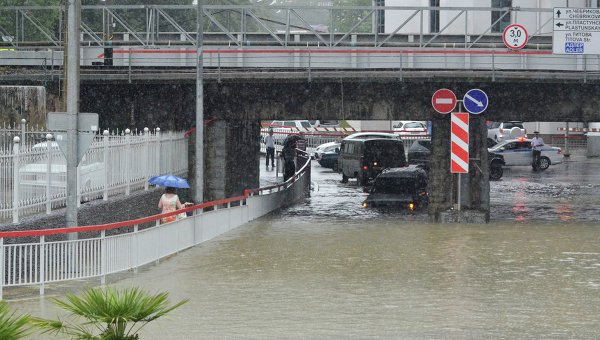 Над 300 души останаха без покрив след наводнението в Сочи