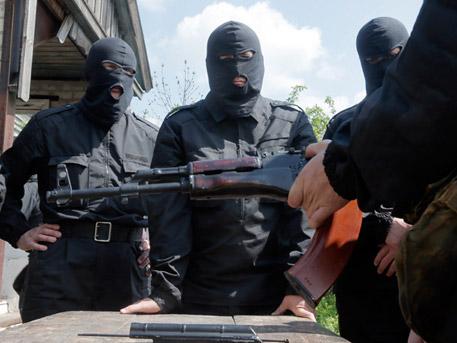 """Украински военни застреляха майка и дъщеря заради """"участие в опълчението"""" в Донбас"""