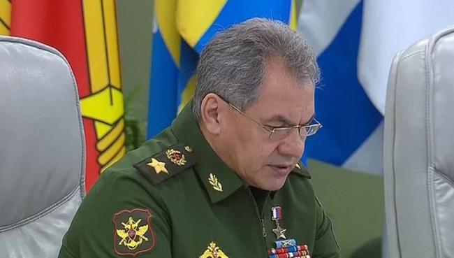 Шойгу: Русия продължава мащабното военно строителство в Арктика