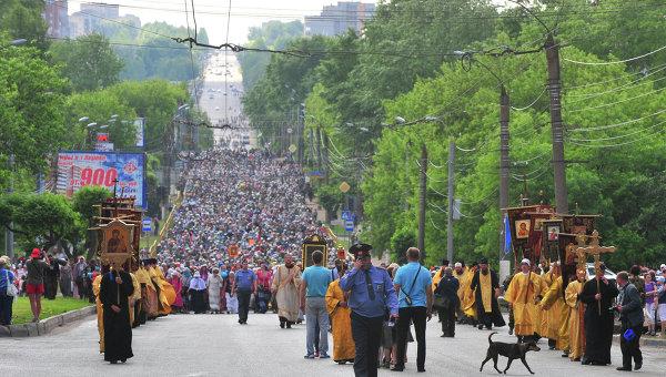 В Русия започна 150-километрово литийно шествие с участието на 100 хил. вярващи