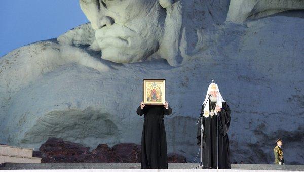 Патриарх Кирил: Войната започва и спира сърцето