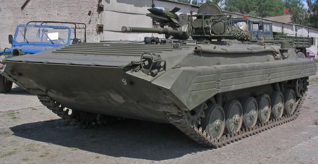 България продава на Украйна бронемашини под предлог – спасителна техника