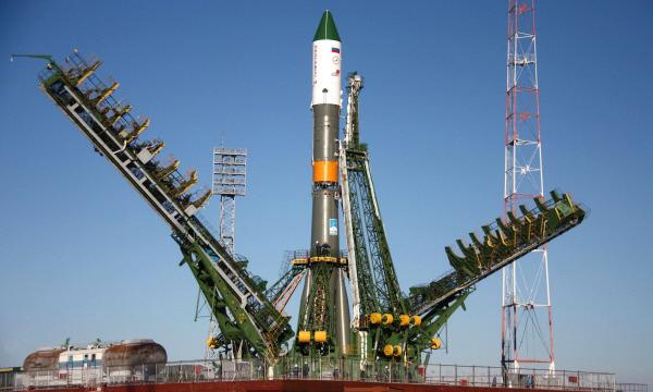 """Английска компания подписа договор за 21 ракети-носители """"Союз"""" за $1 милиард"""