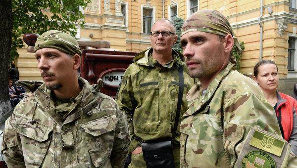 """Батальон на """"Десен сектор"""" се отправи към Киев на митинг"""
