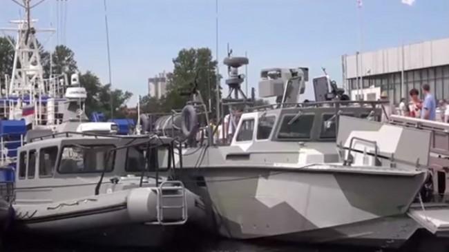 """Правят военни лодки """"Калашников"""""""