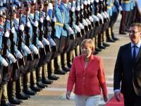 """DWN: Меркел обеща на Сърбия и Албания влизане в ЕС """"напук на Русия"""""""