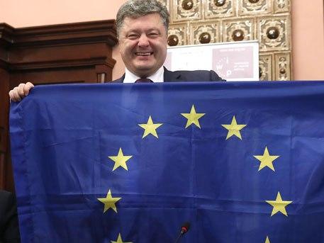 Експерт: Досадният Порошенко продължава да се натрапва на Евросъюза