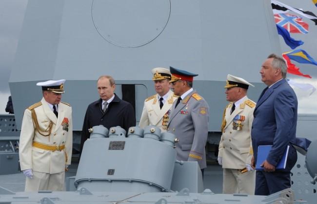 Путин прие участие в отбелязването на Деня на ВМФ в Балтийск