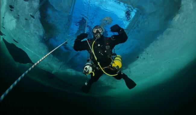 Руски аквалангисти поставиха световен рекорд по потапяне в Задполярието