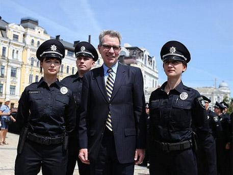 Украинската полиция ще се финансира от Вашингтон