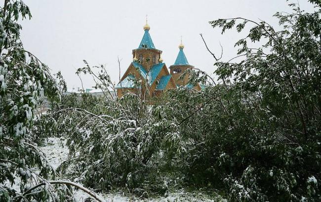 У нас се пука от жега, в Русия вали сняг