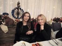 Джуна и Таня в любимият им  ресторант