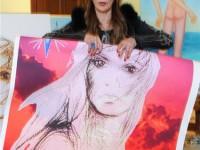 Джуна със своя автопортрет