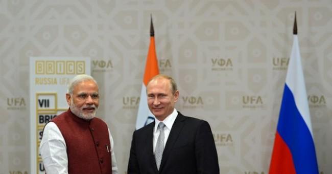 Путин обеща на индийския премиер да пробва йога