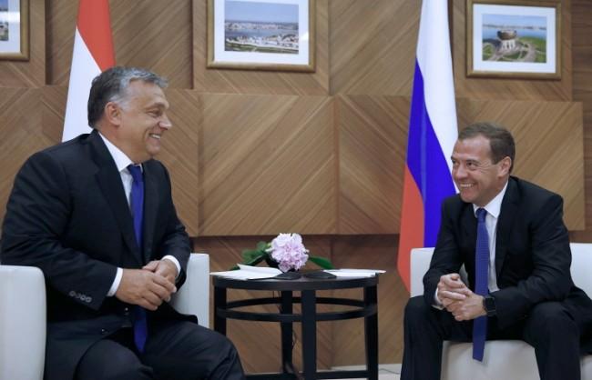 Медведев: Отношенията между Русия и Унгария остават добри