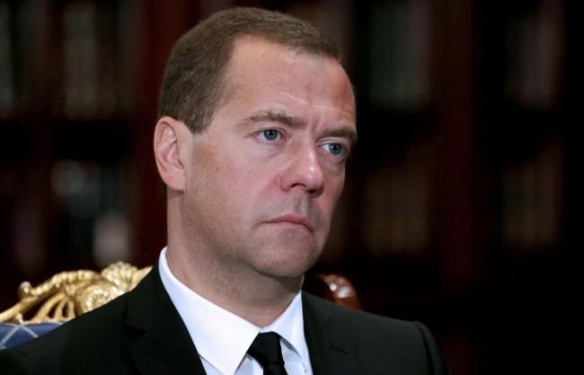 Медведев подписа постановление за разширяване на хранителното ембарго с още няколко страни