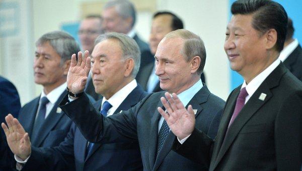 Анализатори: Русия и Китай могат да променят световния ред, както поискат