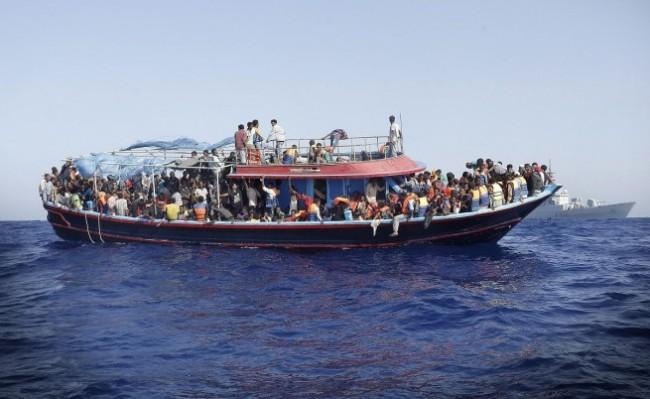 Австрийски медии: САЩ финансират бежанските кораби към Европа
