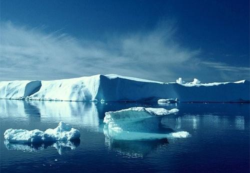 В Арктика ще бъдат изпробвани технологии за управление на айсберги
