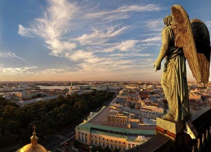 15-те най-добри безплатни места в Санкт Петербург, които трябва да се посетят