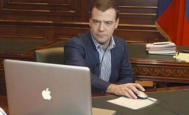 Медведев благодари на читателите си в Twitter