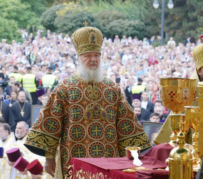 Патриарх Кирил: Санкциите накараха руснаците да работят с пълна отдаденост