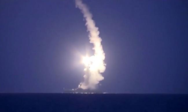 В Русия произведоха бойни пускове на ракети със стратегическо предназначение (Видео)